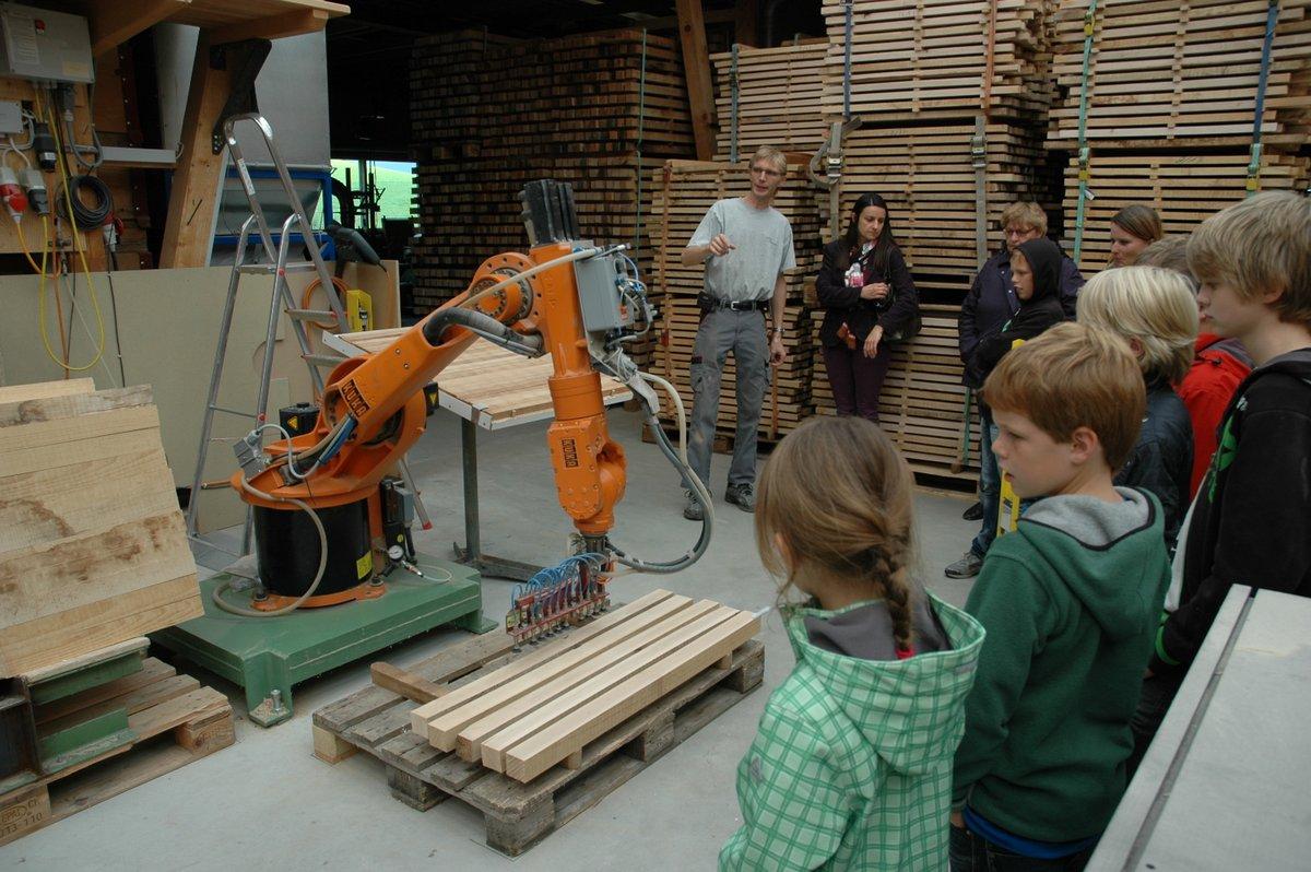 Betriebsbesichtigung Kuka Roboter